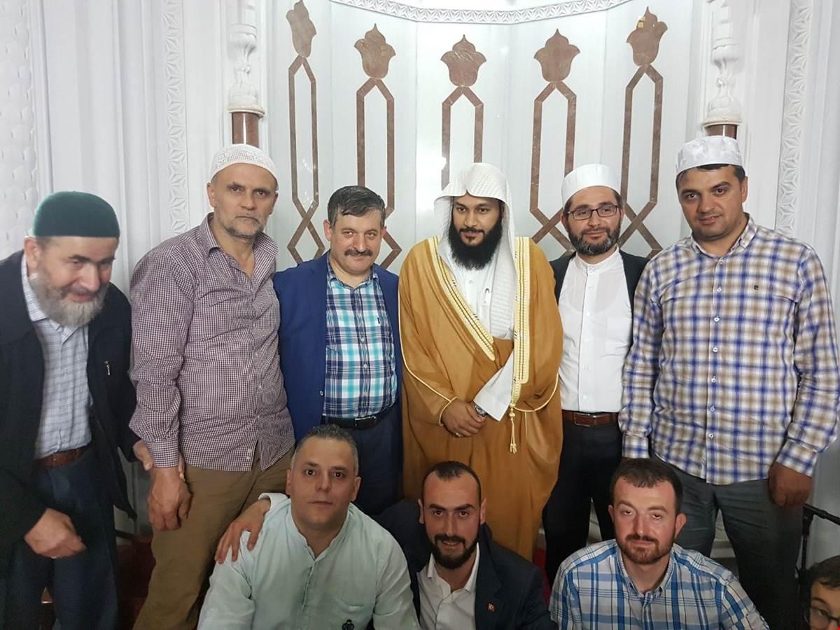 mekke-imamlarindan-abdurrahman-bin-cemil-el-ussi-den-alemdag-camii-nde-kur-an-i-kerim-ziyafeti