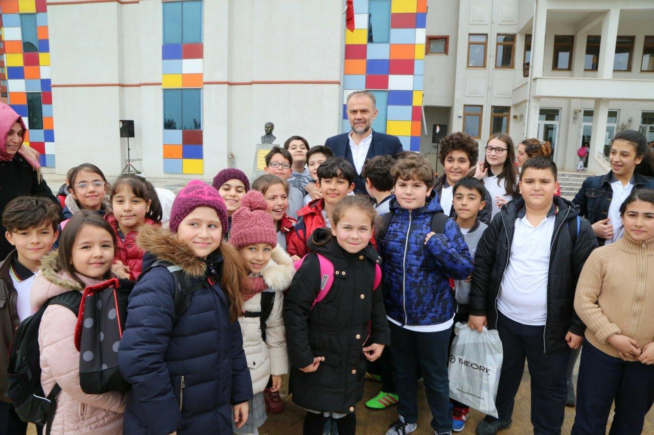 baskan-poyraz-alemdag-emlak-konut-ilkoegretim-okulu-nu-ziyaret-etti