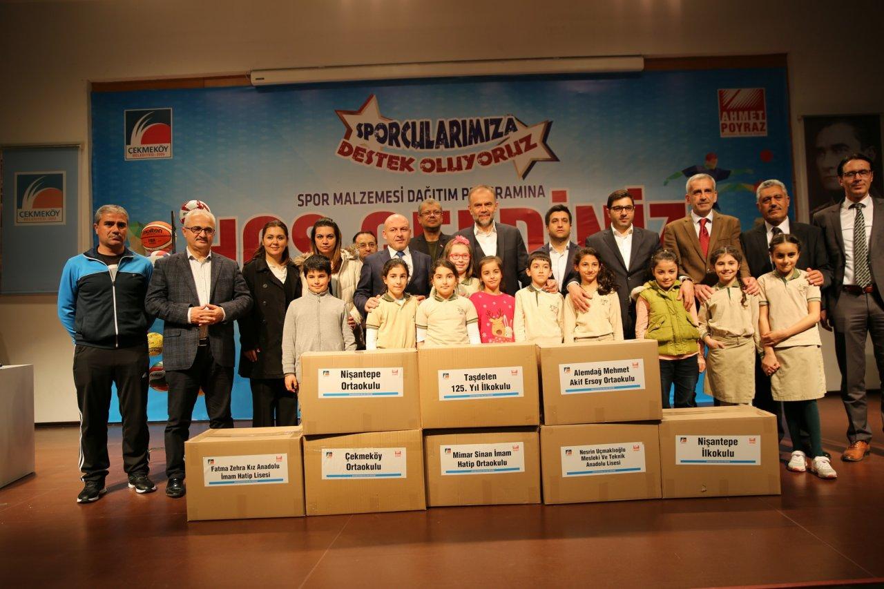 cekmekoey-belediyesi-nden-egitime-destek